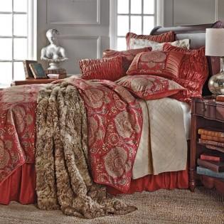 Lorenza Comforter Set